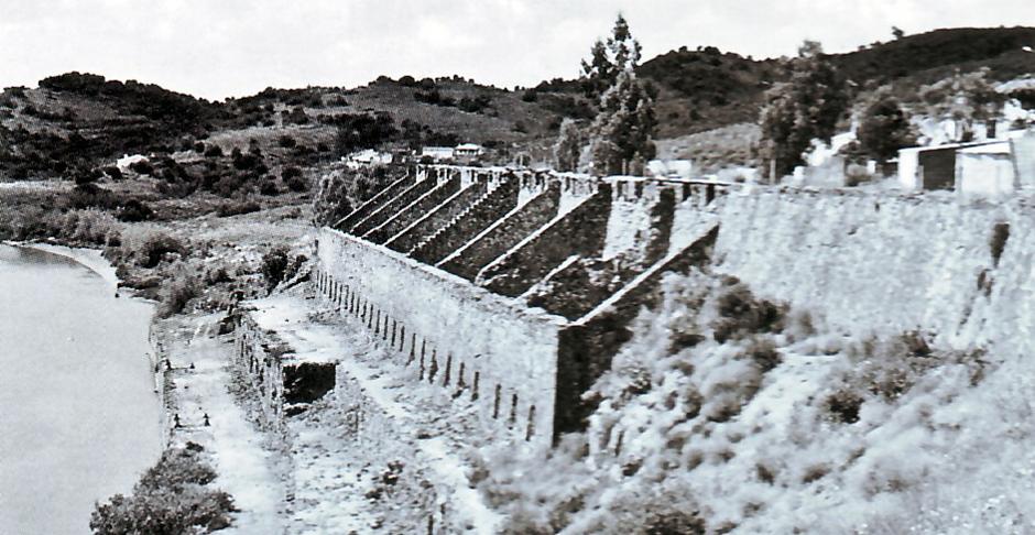 Fotografía histórica del muelle cargadero del Puerto de la Laja